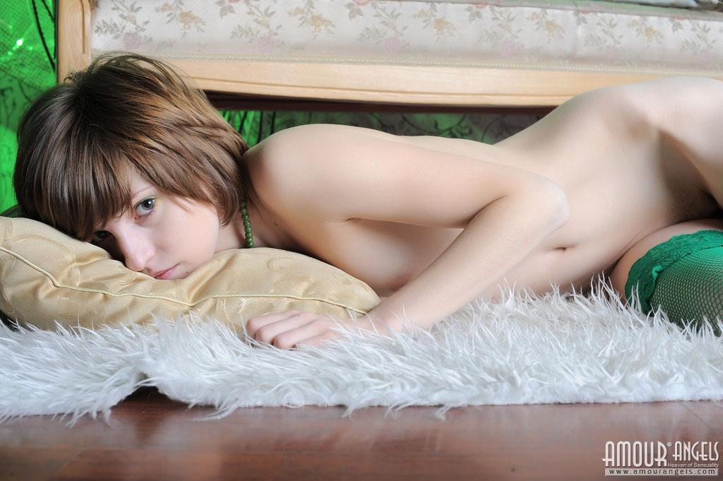 【外人】ロシア人・ネッリ(Nelli)の超絶可愛いロリ体型ポルノ画像 1010
