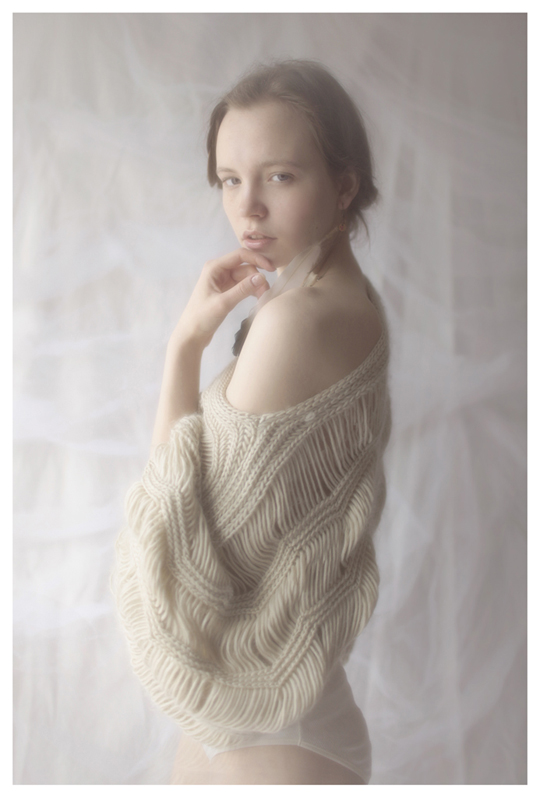 【外人】ブロンドヘアのガチ天使が魅せるプライベートセミヌードポルノ画像 1017