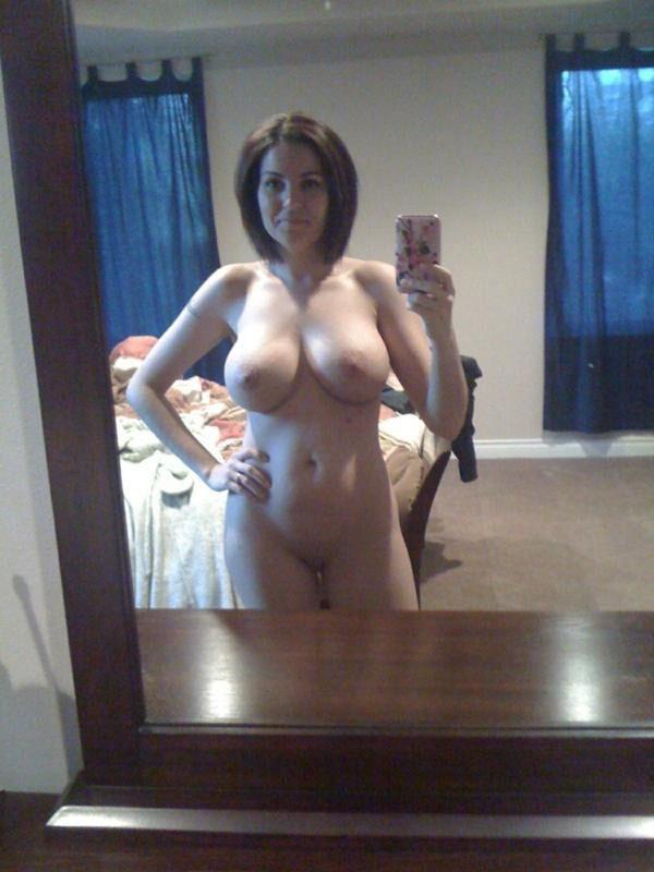 【外人】白人の素人お姉さんが巨乳ボインおっぱいをネットにうpする自画撮りポルノ画像 1035