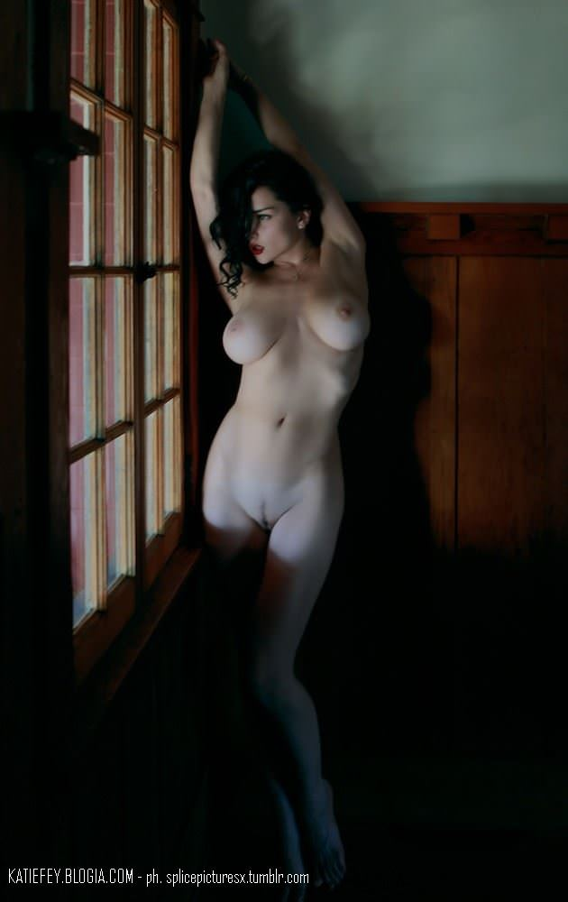 【外人】エヴァ・グリーン激似のJenya Dのおっぱいポルノ画像 1051