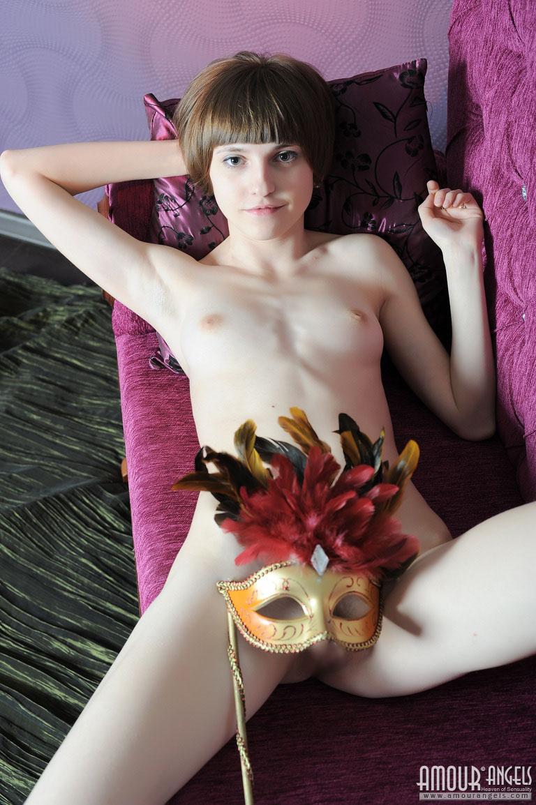 【外人】幼児体型貧乳ピンク乳首ネッリ(Nelli)のロリロリパイパンまんこポルノ画像 109