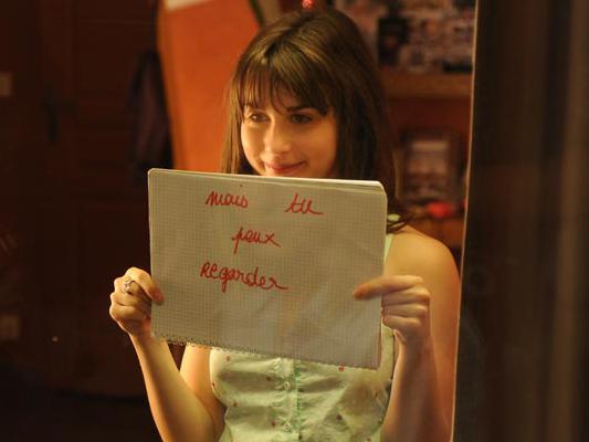 【外人】思春期の女の子役のレオポルディーヌ・セール(Leopoldine Serre)がロリ顔活かしておっぱい出しちゃうポルノ画像 1106