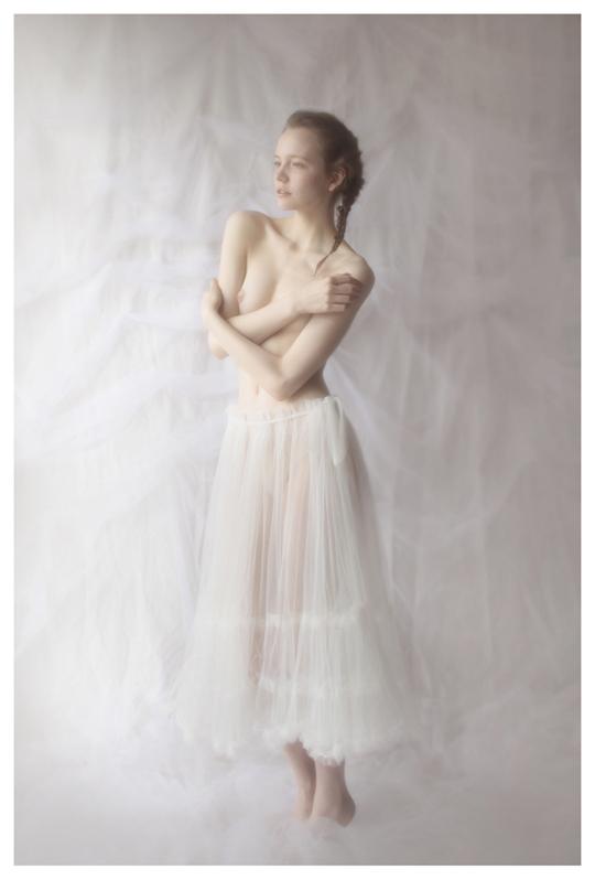 【外人】ブロンドヘアのガチ天使が魅せるプライベートセミヌードポルノ画像 1117