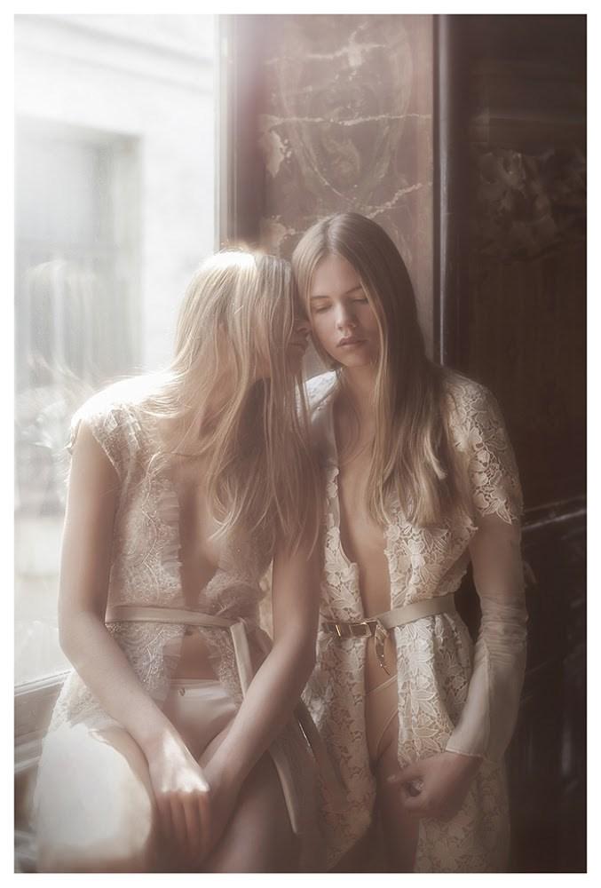 【外人】天才写真家ヴィヴィアン・モクが天使の美少女を写し出すポルノ画像 1231