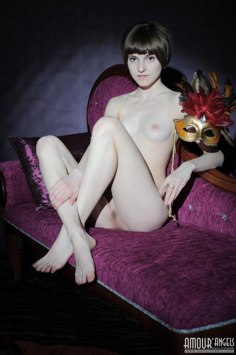 【外人】幼児体型貧乳ピンク乳首ネッリ(Nelli)のロリロリパイパンまんこポルノ画像 129