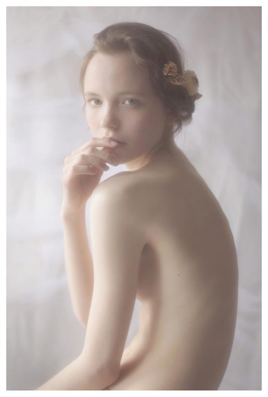 【外人】ブロンドヘアのガチ天使が魅せるプライベートセミヌードポルノ画像 1313