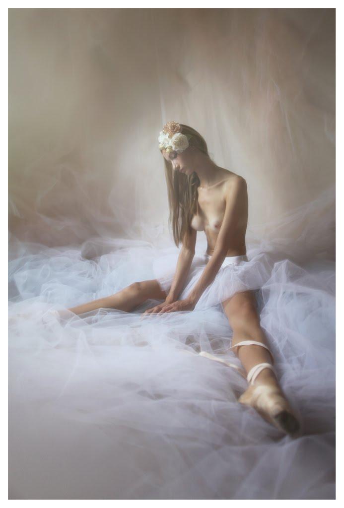 【外人】美しい妖精のような華やかさで魅了する白人美少女のポルノ画像 1314