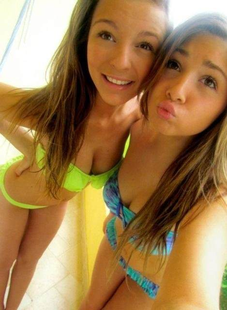 【外人】海外のガチ10代美少女たちの自画撮りポルノ画像 1352