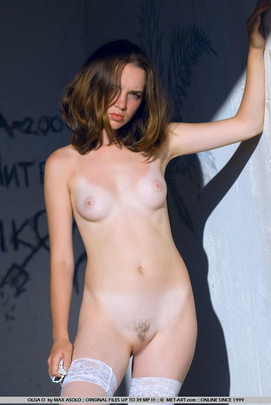 【外人】少女のようなロリフェリスのOlgaが薄いマン毛のパイパン晒すヘアヌードポルノ画像 1450