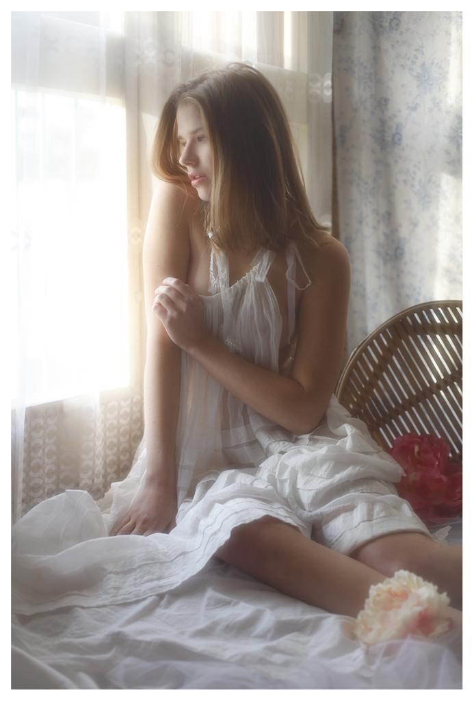 【外人】美しい妖精のような華やかさで魅了する白人美少女のポルノ画像 160