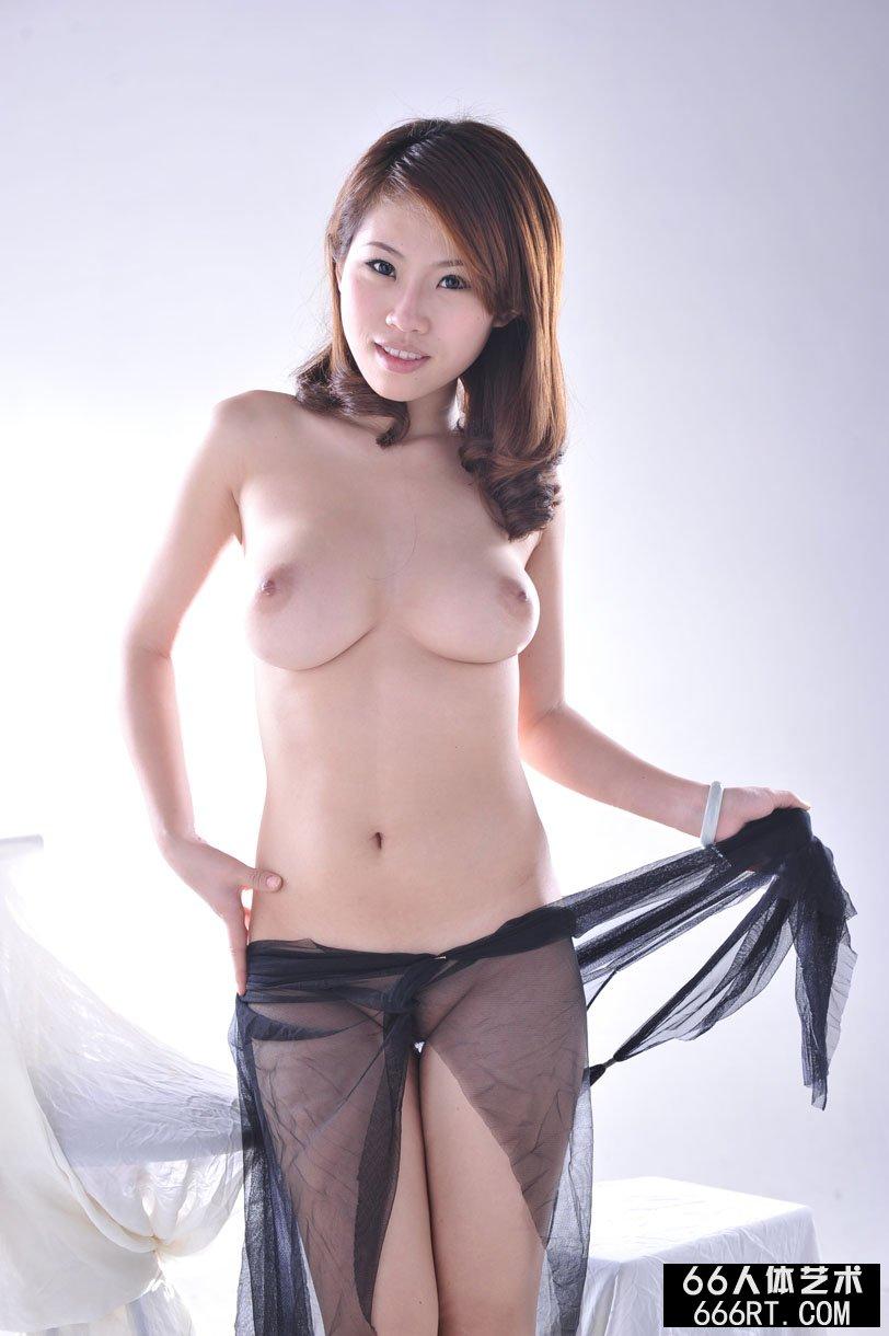 【外人】中国人のロリ顔美少女がおっぱい晒すポルノ画像 1719