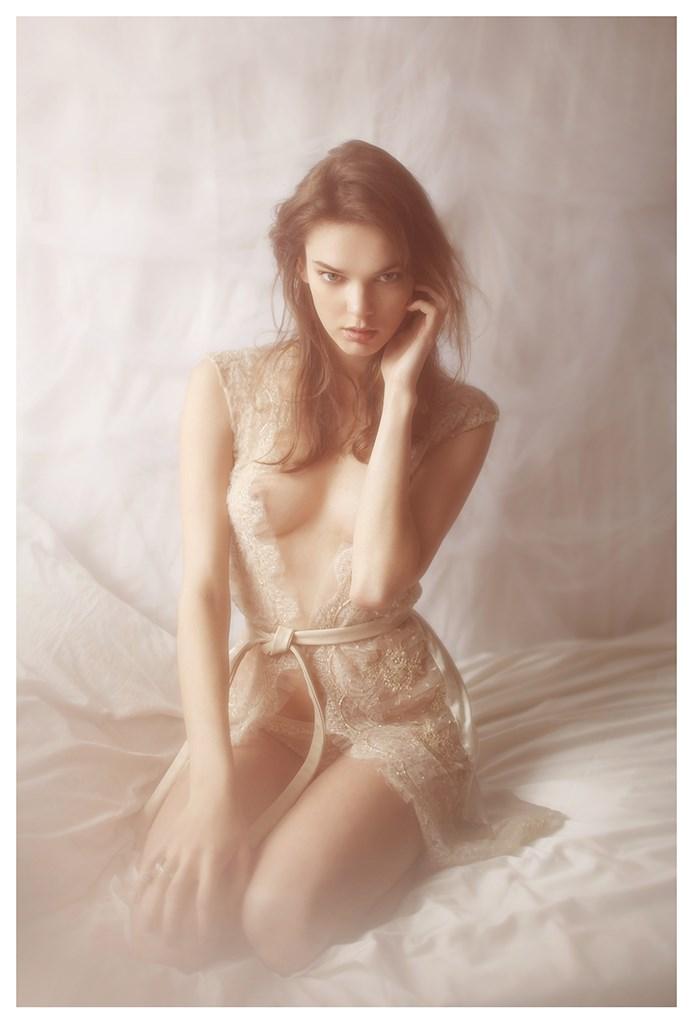 【外人】天才写真家ヴィヴィアン・モクが天使の美少女を写し出すポルノ画像 1721