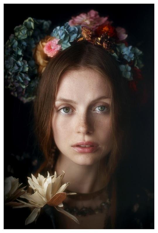 【外人】絵画の世界に居るような美少女のセミヌードポルノ画像 1814