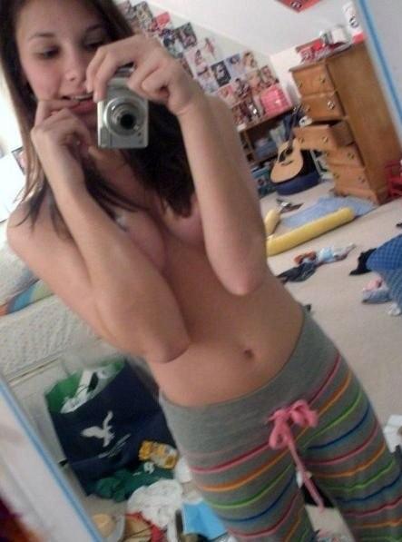 【外人】激カワ素人の10代ティーン達の自画撮りポルノ画像 1816
