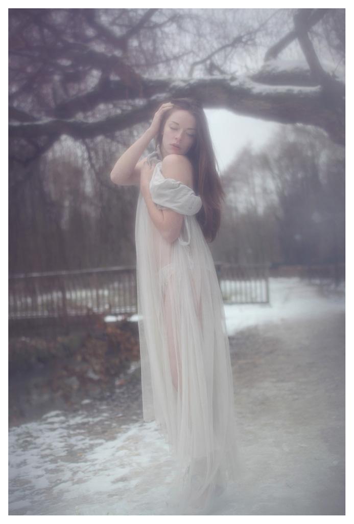 【外人】美しい妖精のような華やかさで魅了する白人美少女のポルノ画像 187