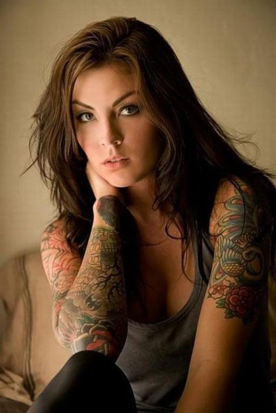 【外人】美しい素肌にタトゥーを施す美女達のポルノ画像 190