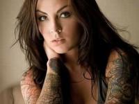 【外人】美しい素肌にタトゥーを施す美女達のポルノ画像