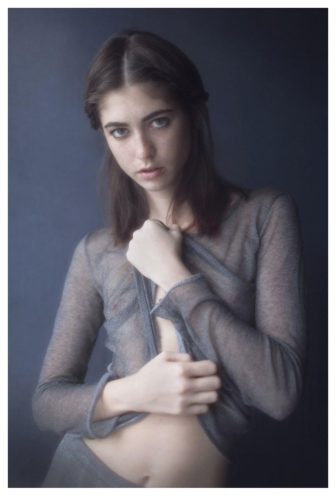 【外人】天才写真家ヴィヴィアン・モクが天使の美少女を写し出すポルノ画像 1919