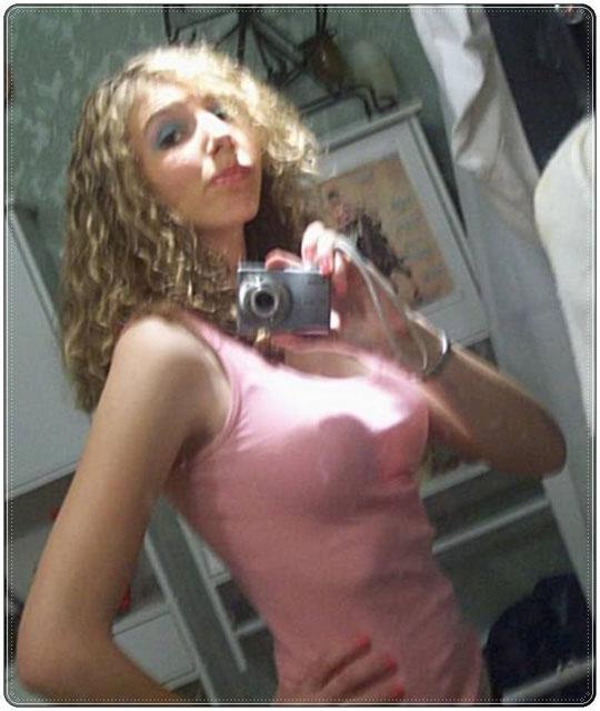 【外人】自画撮りしたおっぱいまんこアナルをチャットで晒すポルノ画像 193