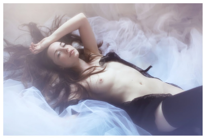 【外人】美しい妖精のような華やかさで魅了する白人美少女のポルノ画像 204