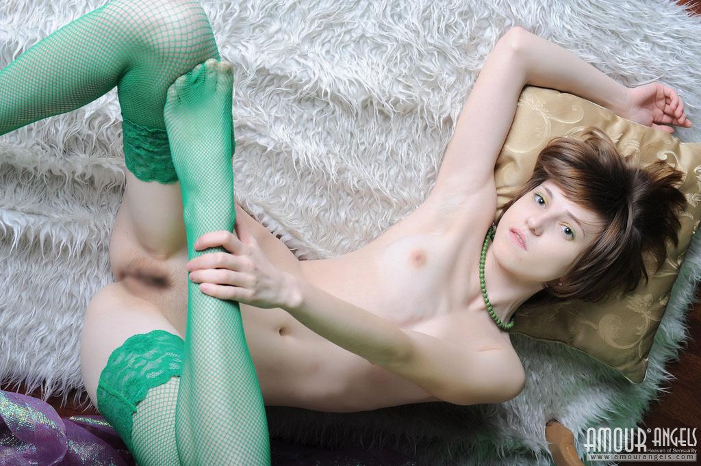 【外人】ロシア人・ネッリ(Nelli)の超絶可愛いロリ体型ポルノ画像 210