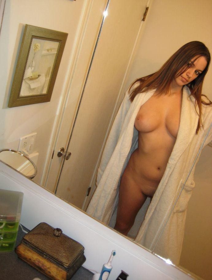 【外人】白人の素人お姉さんが巨乳ボインおっぱいをネットにうpする自画撮りポルノ画像 2124