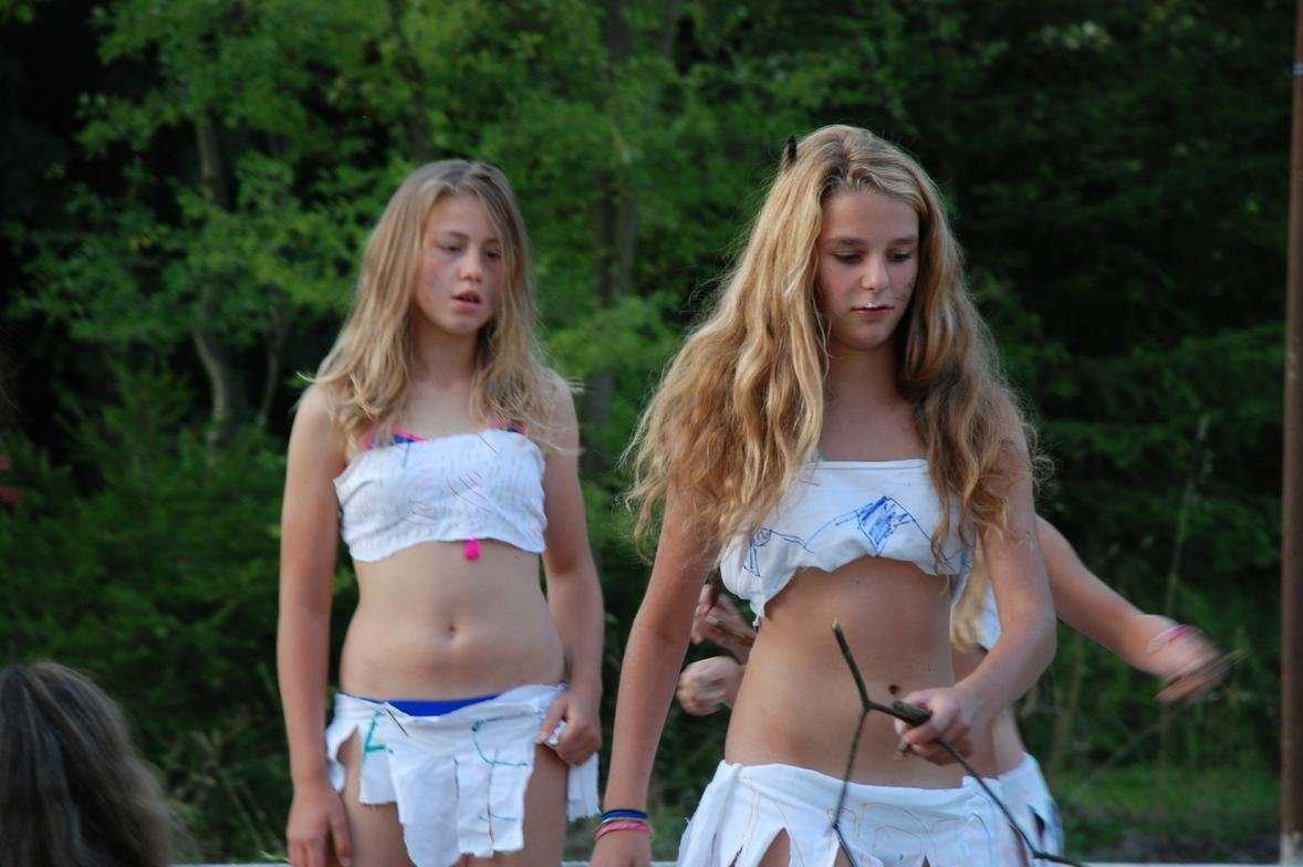 【外人】海外の素人女子ティーンたちの水着姿のポルノ画像 2154
