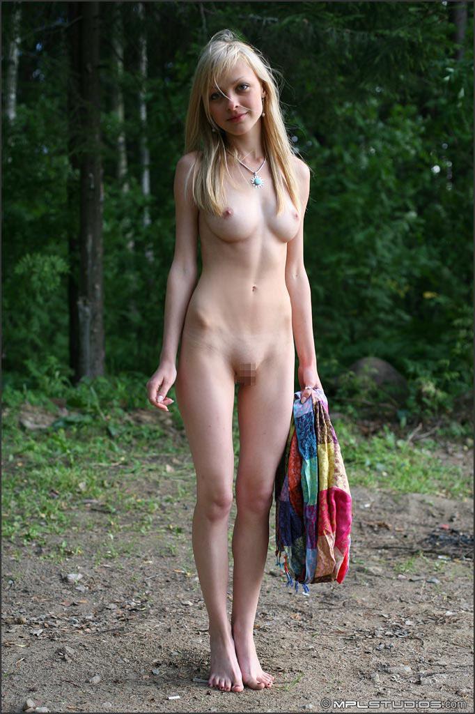 【外人】ロシアの美少女モデル・ヤナ(Yana)のヴァージン(処女作)ポルノ画像 22
