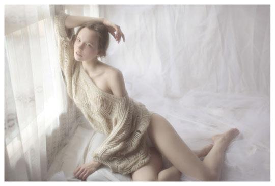 【外人】ブロンドヘアのガチ天使が魅せるプライベートセミヌードポルノ画像 220