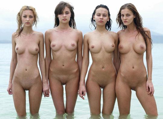 【外人】世界の美女だけが集合した野外露出のヌードポルノ画像 2210