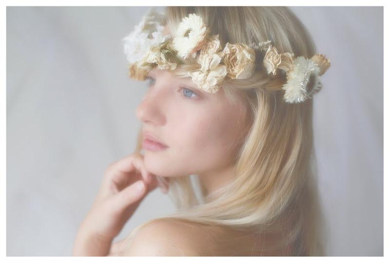 【外人】美しい妖精のような華やかさで魅了する白人美少女のポルノ画像 224