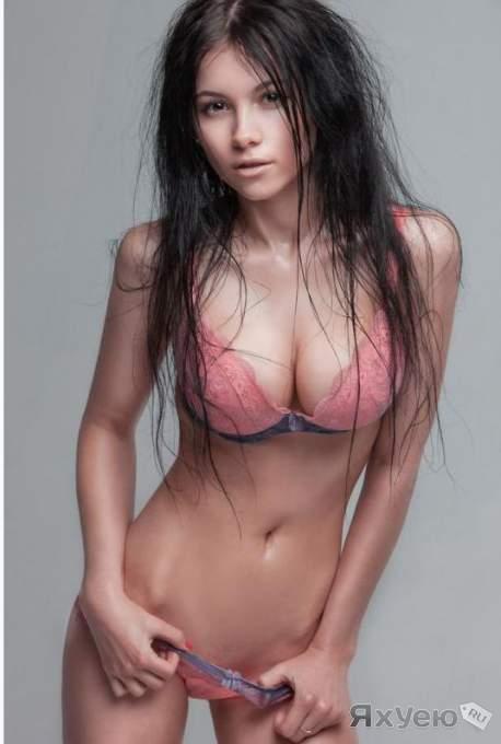 【外人】巨乳おっぱいをカメラ目線で見せつけるポルノ画像 234