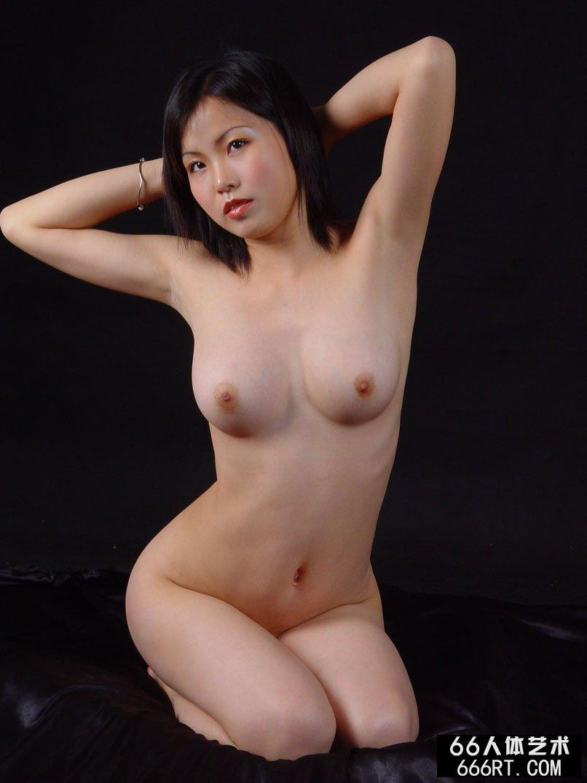 【外人】中国人のロリ顔美少女がおっぱい晒すポルノ画像 2511