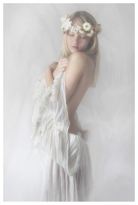 【外人】ブロンドヘアのガチ天使が魅せるプライベートセミヌードポルノ画像 252