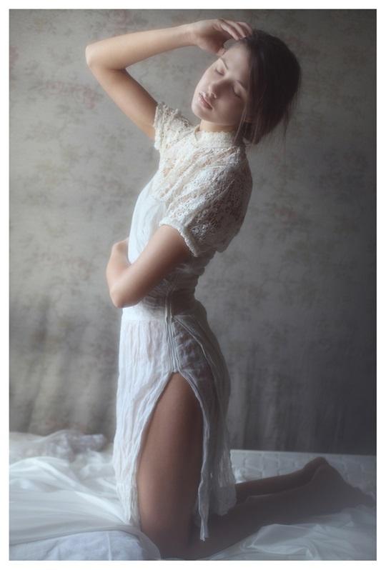 【外人】絵画の世界に居るような美少女のセミヌードポルノ画像 267