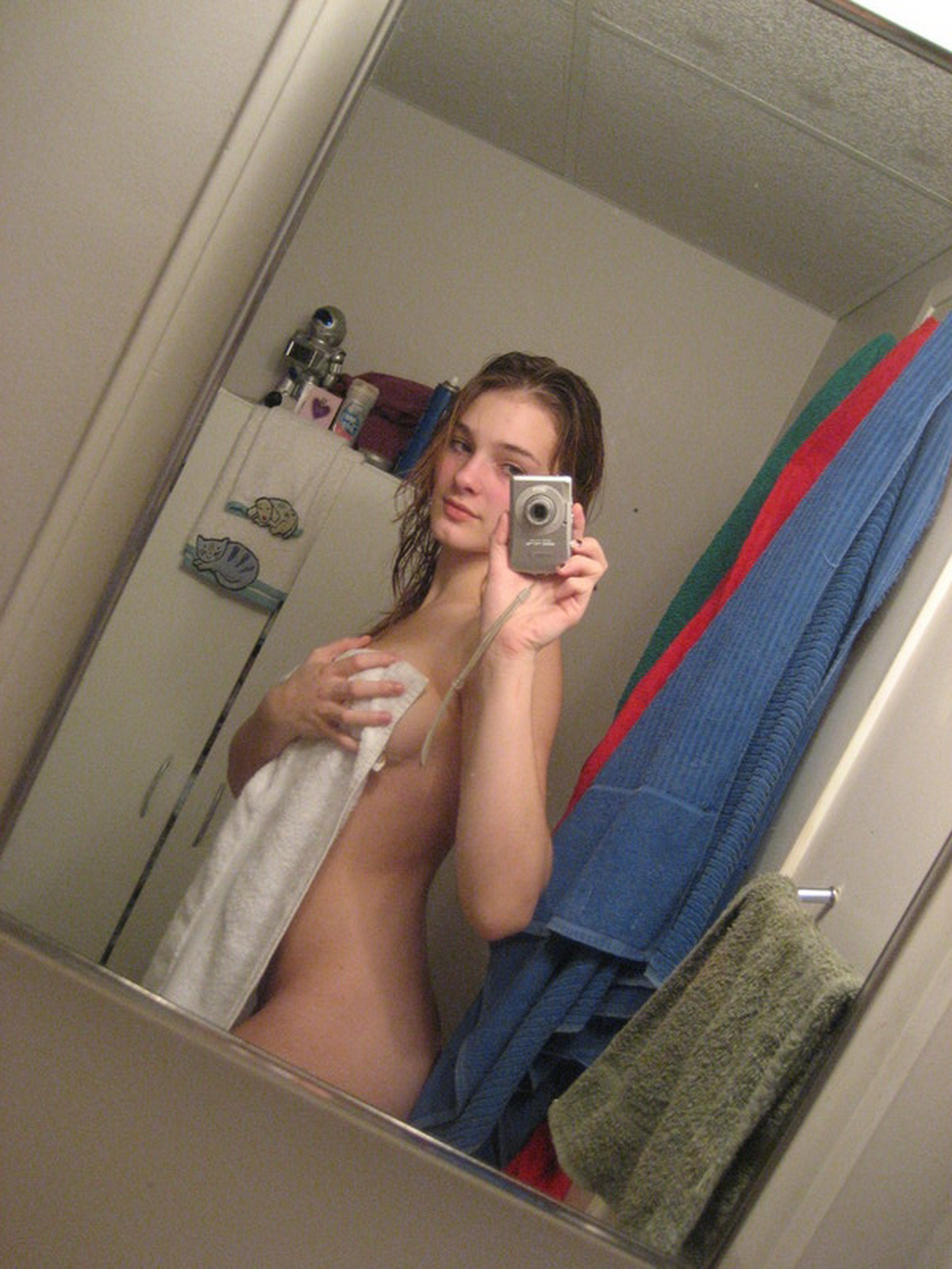 【外人】巨乳おっぱいをカメラ目線で見せつけるポルノ画像 273
