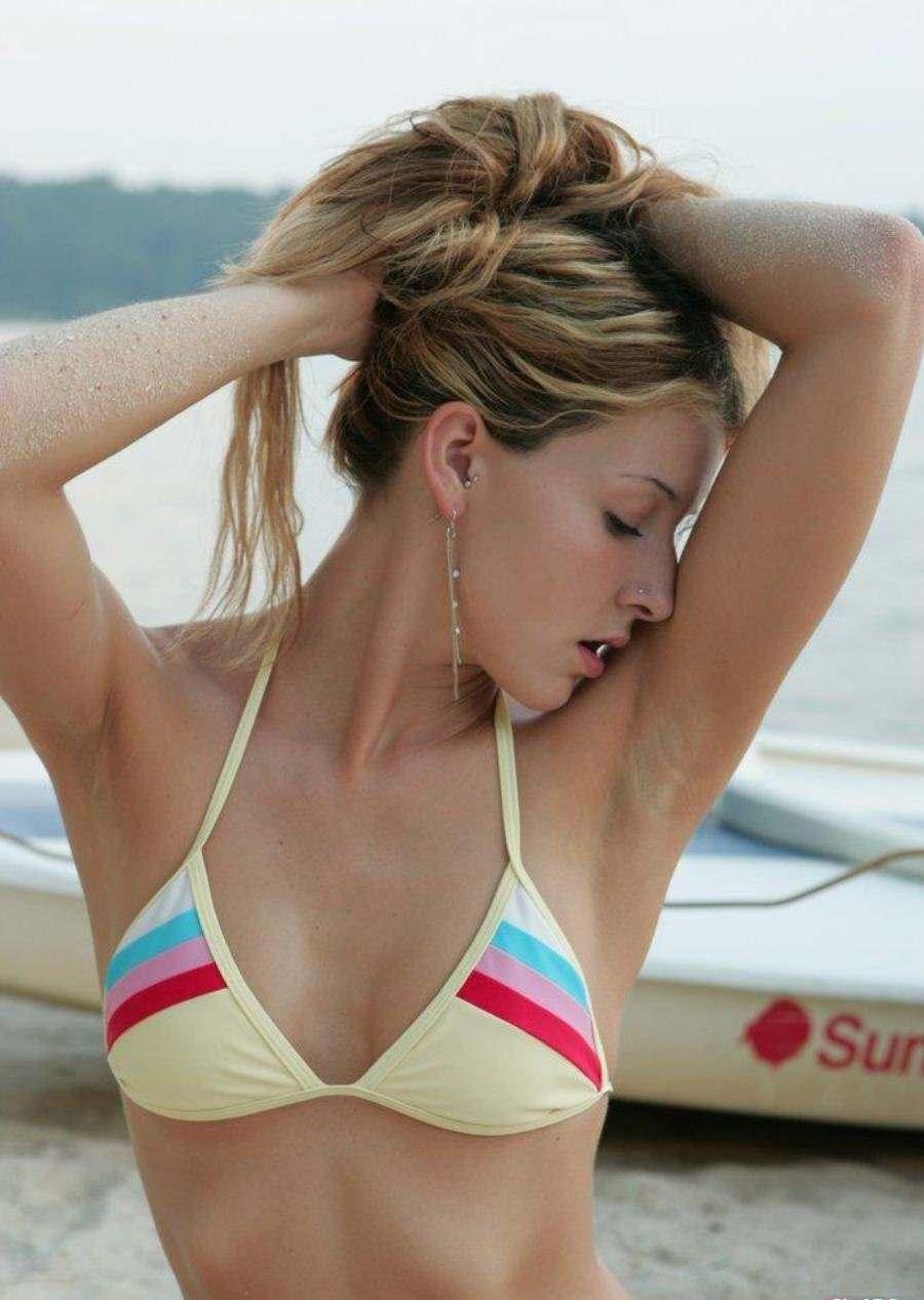 【外人】海外の素人女子ティーンたちの水着姿のポルノ画像 2816