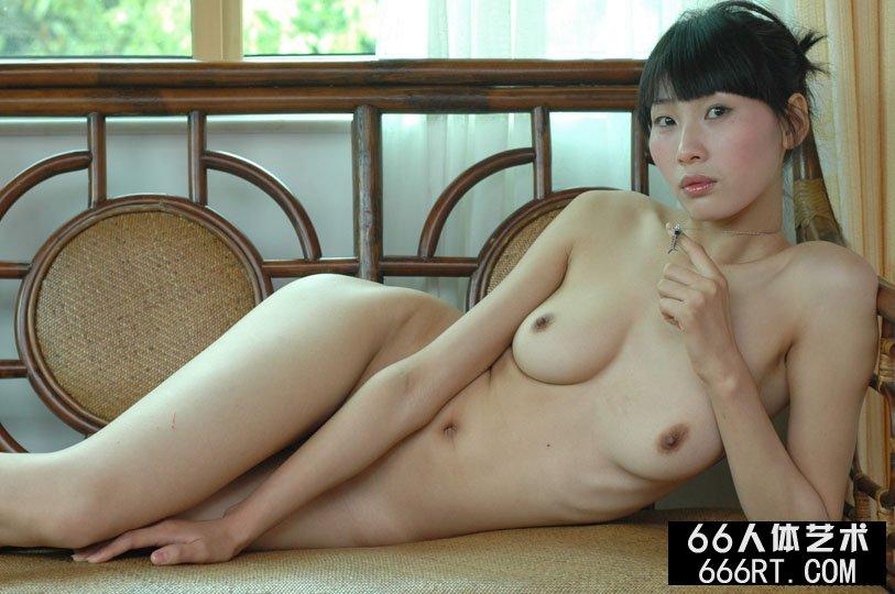 【外人】中国人のロリ顔美少女がおっぱい晒すポルノ画像 288