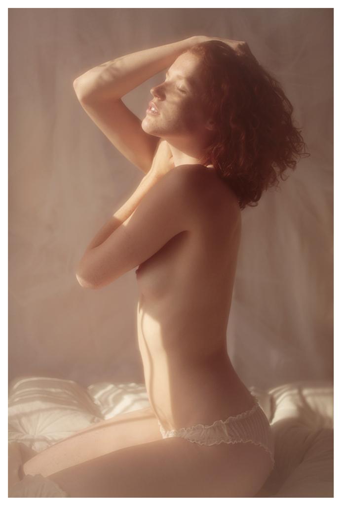 【外人】美しい妖精のような華やかさで魅了する白人美少女のポルノ画像 322