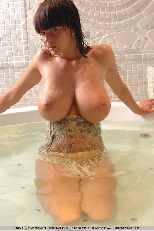 【外人】チェコの童顔ロリフェイスHカップ爆乳モデルルーシー(Lucy)Cのポルノ画像 33