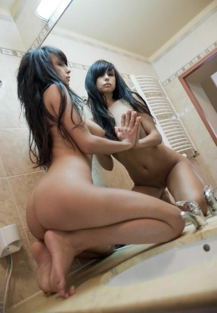 【外人】SNSへ投稿される海外美女達のヌード自画撮りポルノ画像 3510