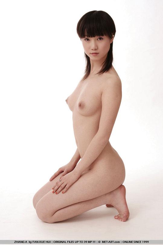 【外人】中国人の童顔ロリ顔美少女の张筱雨(チャンシャオユー)がおっぱいとおまんこ晒すポルノ画像 365