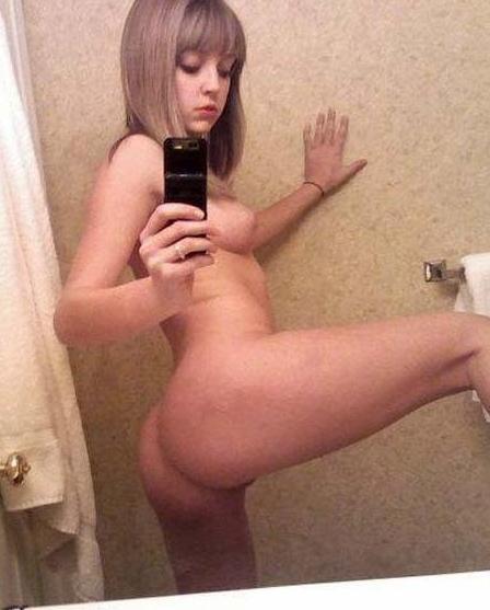 【外人】激カワ素人の10代ティーン達の自画撮りポルノ画像 432