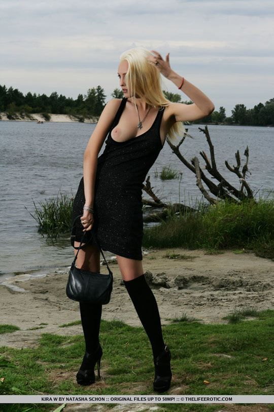 【外人】ウクライナ美女Kira Wの芸術的なヌードのポルノ画像 446