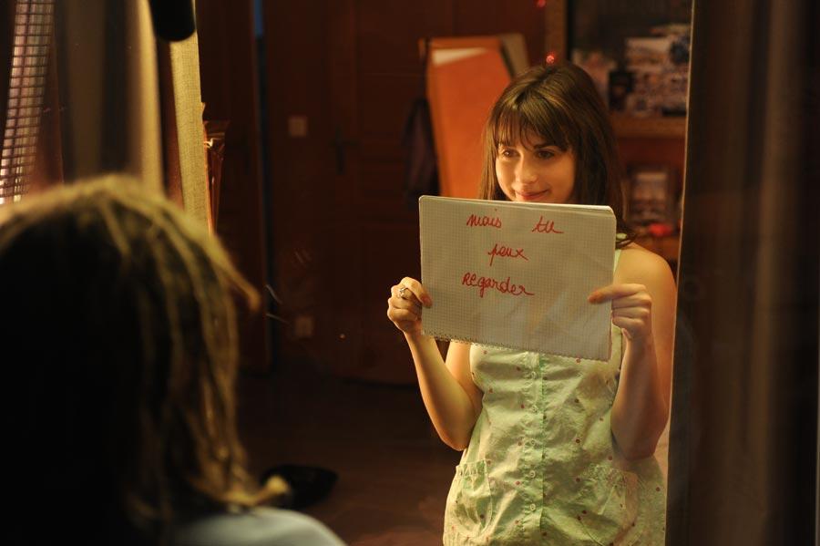 【外人】思春期の女の子役のレオポルディーヌ・セール(Leopoldine Serre)がロリ顔活かしておっぱい出しちゃうポルノ画像 531