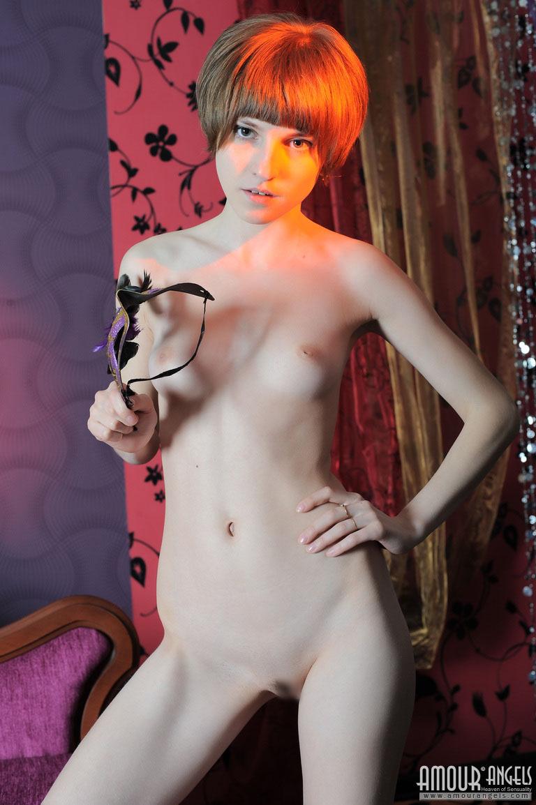【外人】幼児体型貧乳ピンク乳首ネッリ(Nelli)のロリロリパイパンまんこポルノ画像 69