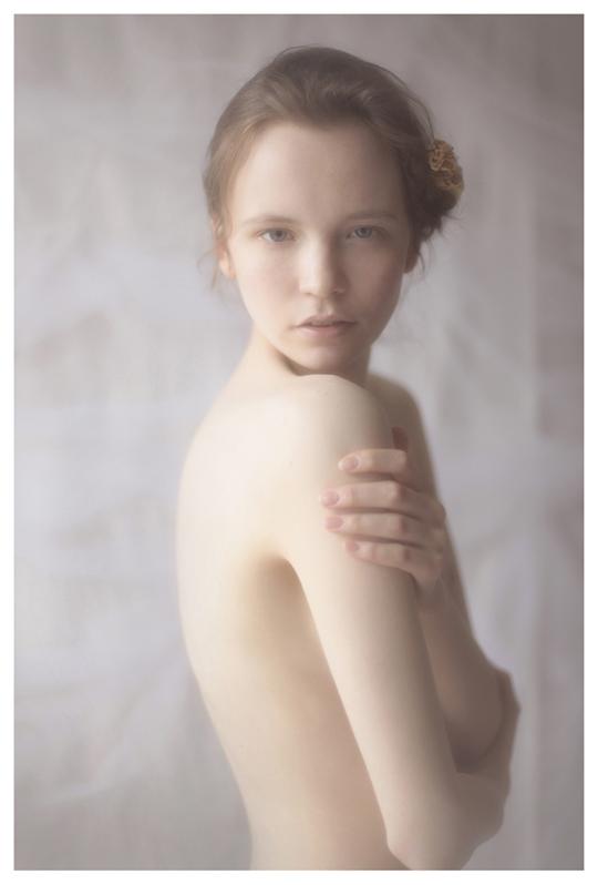 【外人】ブロンドヘアのガチ天使が魅せるプライベートセミヌードポルノ画像 718