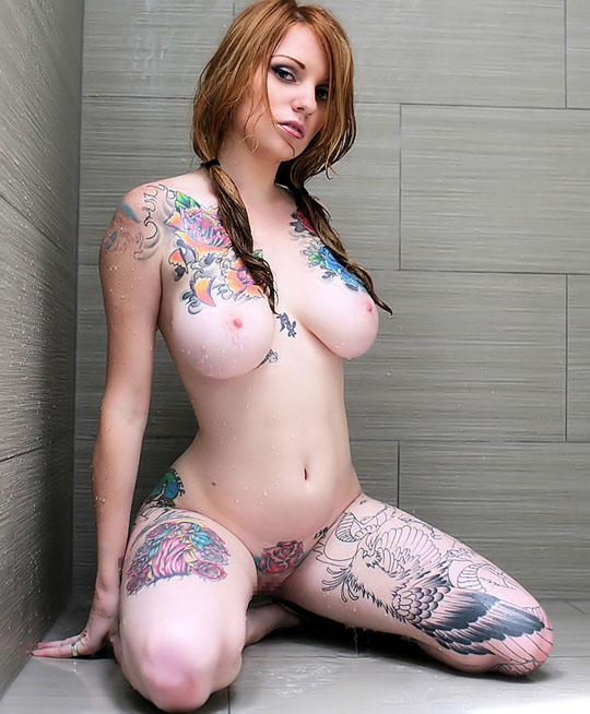 【外人】美しい素肌にタトゥーを施す美女達のポルノ画像 723