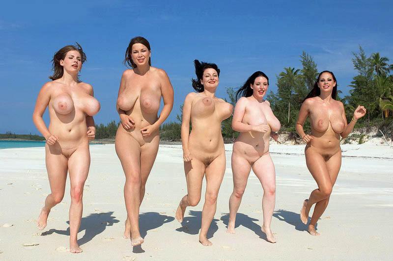 【外人】全裸でお構いなしに記念撮影しちゃう素人美女の露出ポルノ画像 832