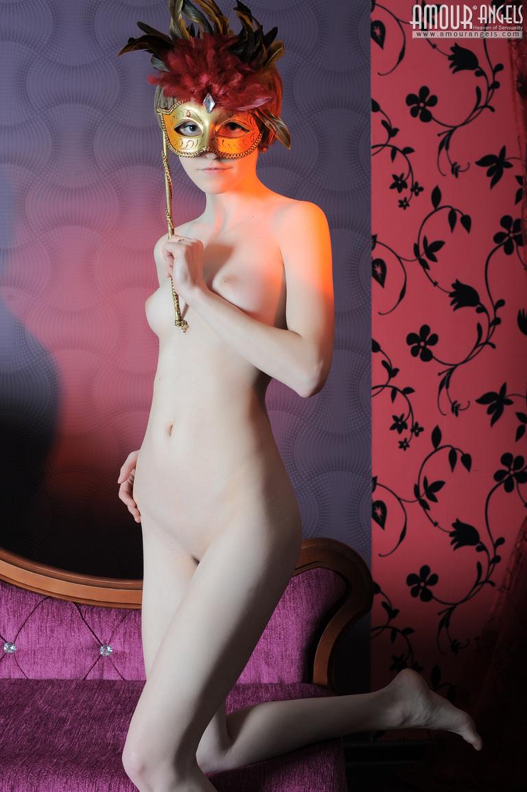 【外人】幼児体型貧乳ピンク乳首ネッリ(Nelli)のロリロリパイパンまんこポルノ画像 89
